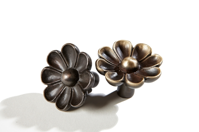 Daisy drawer pull by Martin Pierce Custom Hardware