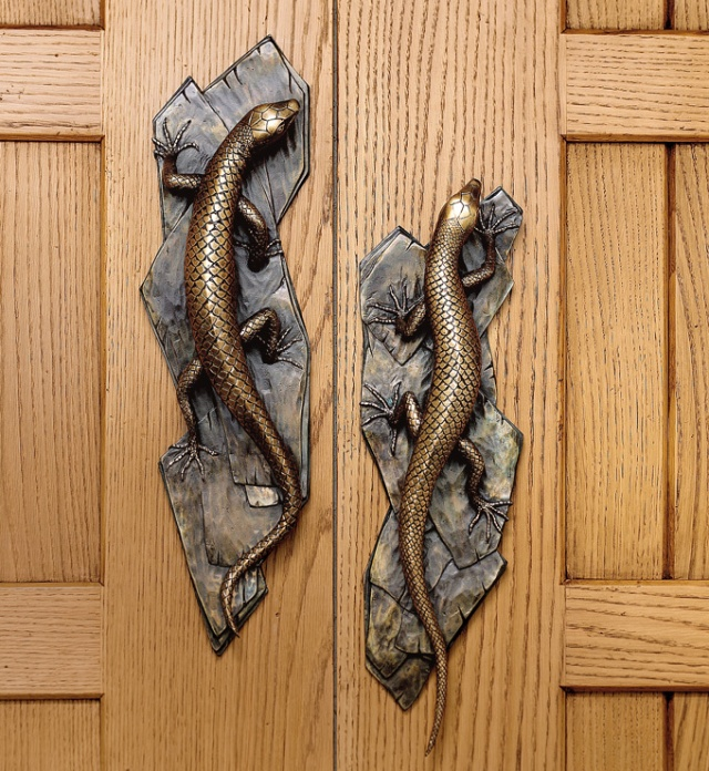martin pierce lizard door pull right and left