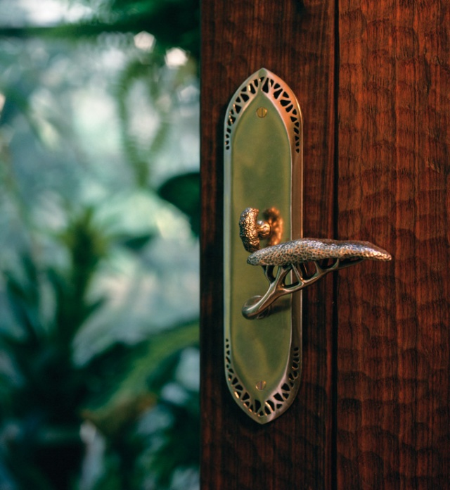 Hedgerow entry door lever from Martin Pierce Hardware Los Angeles CA  90016 Photo by Doug Hill photo Doug Hill